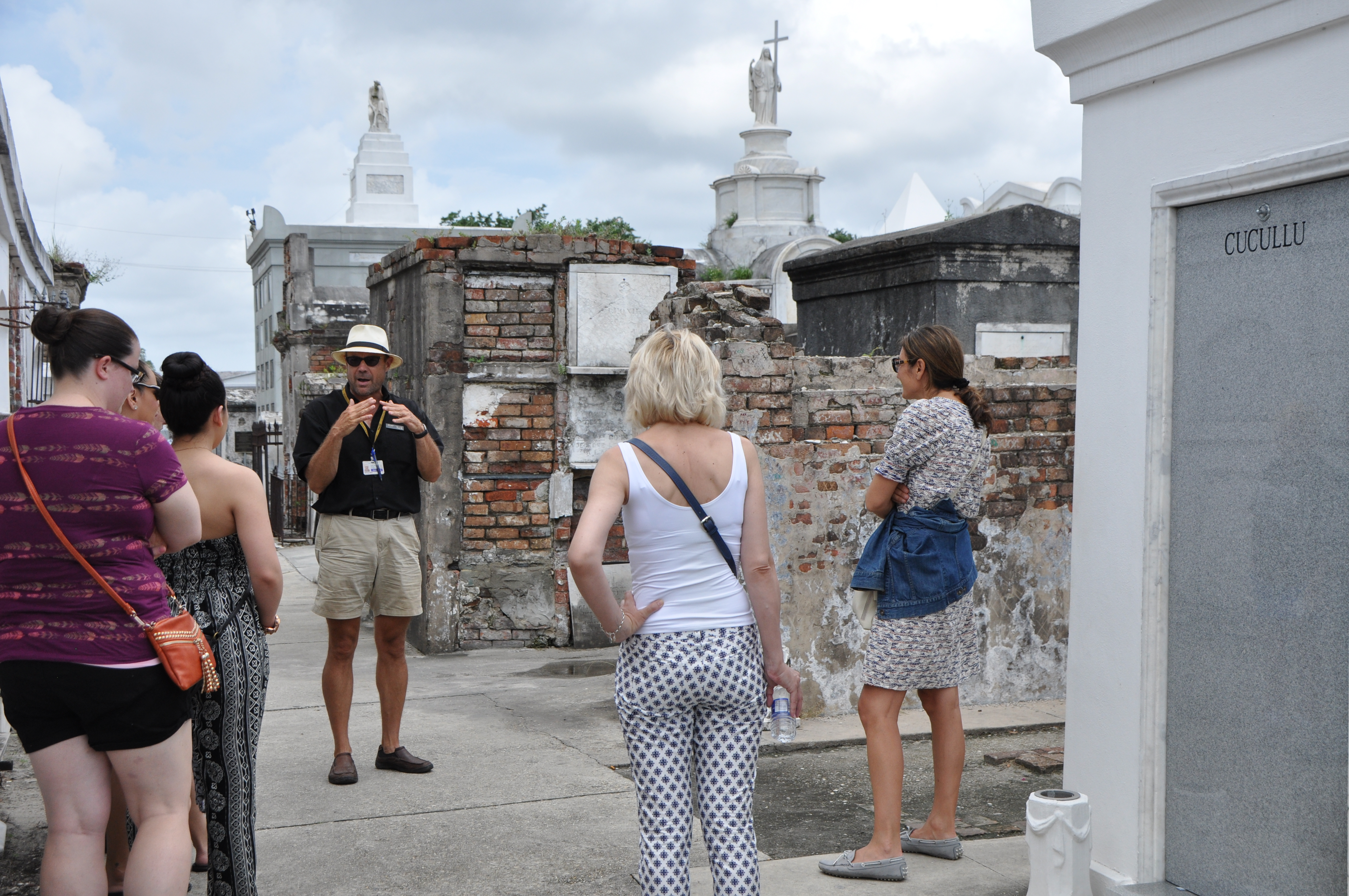 St Louis Cemetery #1 History Carriage Tour of New Orleans
